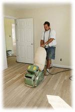 машинно почистване на подови настилки