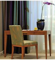 Италианска маса за хотелска стая