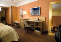 Италианско бюро луксозно за хотелска стая