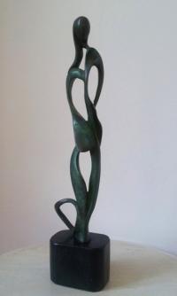 Авторска бронзова скулптура Свян